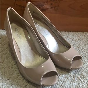 Nude Peep toe wedges/ Chinese laundry